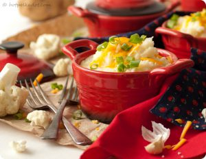 Cheesy Ranch Mashed Cauliflower via @hotpolkadot